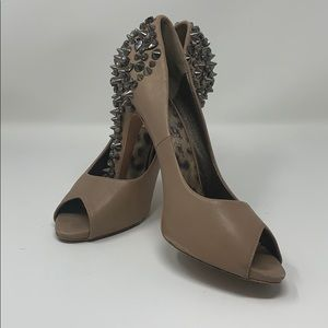 Sam Edelman spiked heels in nude/graphite